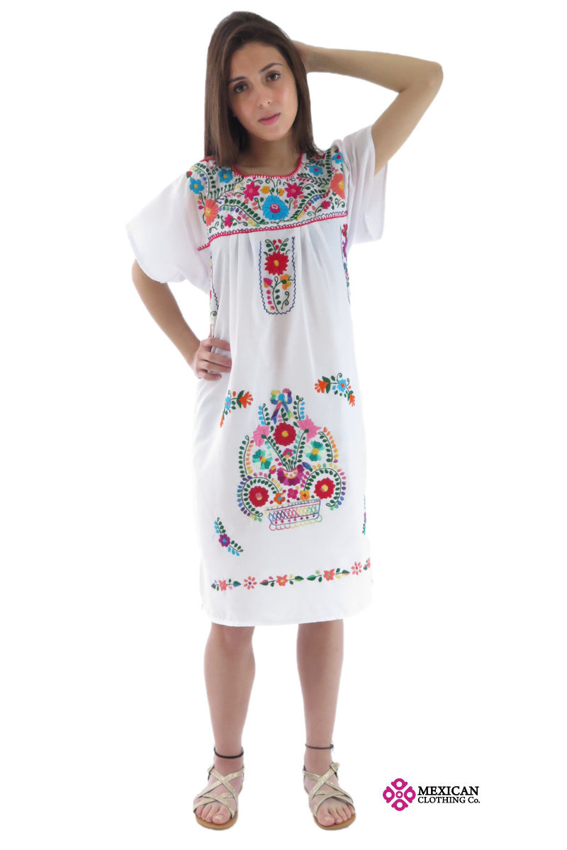 White Tehuacan Puebla dress model