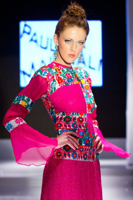 Pink Mexican fashion dress with Mexican embroidery